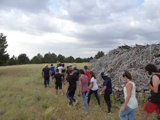 Una semana de trabajo recuperando un antiguo chozón sabinero en la Parque Natural del Alto Tajo