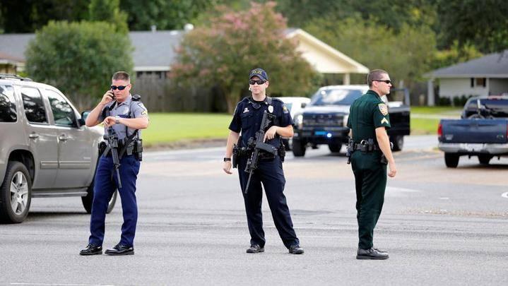 Tres policías muertos y varios heridos tras ser tiroteados en Baton Rouge,Luisiana