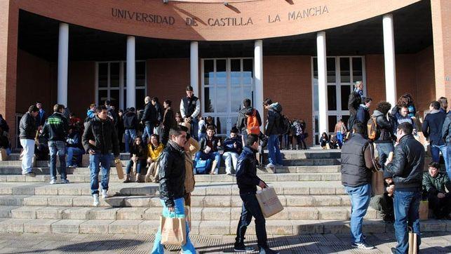 """El PP denuncia """"el abandono que sufre la UCLM por parte de Page"""""""