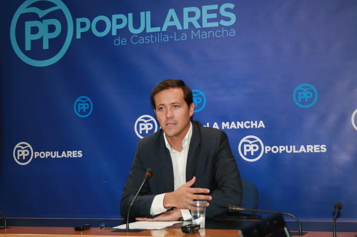 """Velázquez denuncia que Page """"engaña sistemáticamente a los profesionales de la Educación de Castilla-La Mancha"""""""