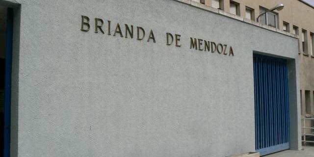 Una joven andaluza residente en Orense tiene que matricularse en Guadalajara para estudiar un ciclo formativo en español