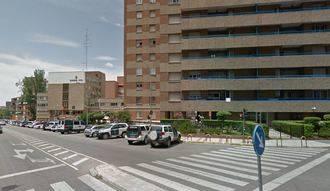 'Pillado' conduciendo borracho tras estamparse contra tres coches de la Guardia Civil aparcados en la Comandancia de avenida de Castilla