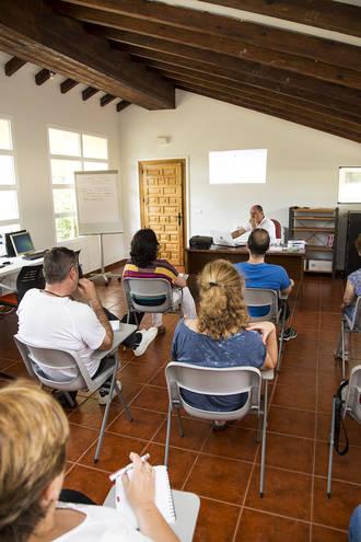 Trillo pone en marcha un taller de cocina que aúna formación, empleo y función social