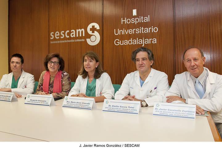 El Hospital de Guadalajara acoge un encuentro de pacientes y profesionales en torno al cáncer de mama