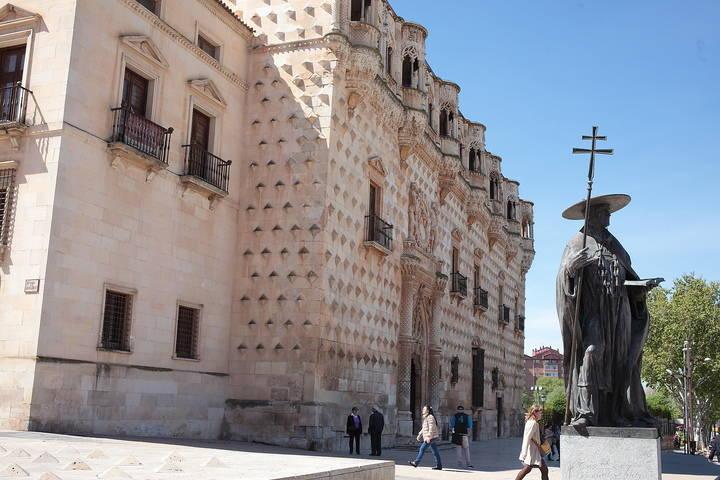 Empieza a mejorar el tiempo este martes en Guadalajara : chubascos aislados con ratos de sol y el mercurio llegará a los ¡22ºC!