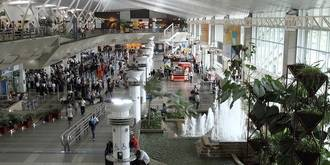 La policía repasa la lista de pasajeros de Barajas para identificar a los sicarios de la matanza de Pioz