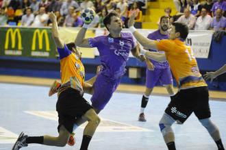 BM Guadalajara sobrevive a las lesiones ganando al BM Benidorm