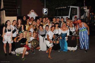 Los Robins se hicieron con el primer premio en el Desfile de Carrozas de Alovera