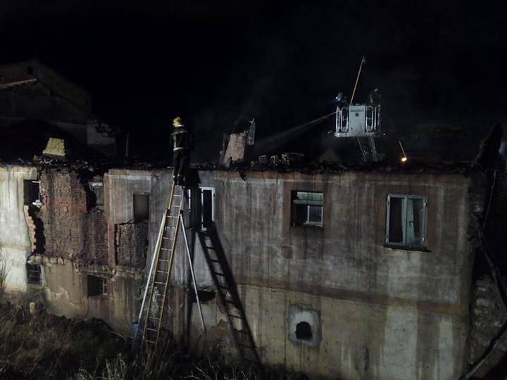 El Consorcio de Bomberos sofoca un incendio en una casa de Sigüenza