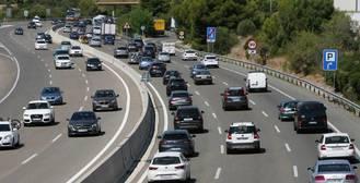 Retenciones y cortes de tráfico en Andalucía y Madrid por el retorno del puente de agosto