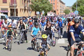 Última jornada de fiestas de Azuqueca con el Día de la Bici y la comida popular