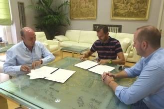 La Diputación apoya la trayectoria deportiva del triatleta paralímpico Daniel Molina
