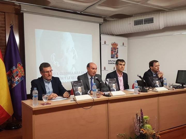 La Diputación edita 'Buero Vallejo y Guadalajara' de Jesús Orea