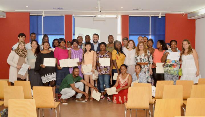 Concluye el curso de castellano del Programa Extraordinario por la Cohesión Social de Azuqueca