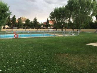 Las piscinas municipales de Jadraque estrenan decoración coincidiendo con el Interpueblos de Natación