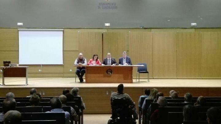 Encuentro para recabar opiniones de cara a la redacción del nuevo POM de Guadalajara