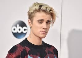 Le dan un puñetazo en la cara a Justin Bieber en una fiesta nocturna en Alemania