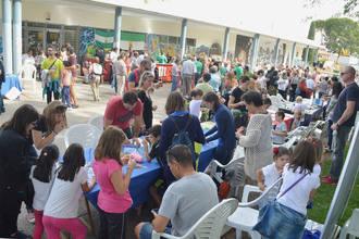 Un millar de personas participaron en la 'VIII Jornada por la Convivencia' en Azuqueca