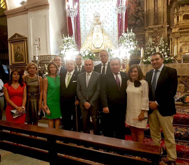 Latre acompaña a los casareños en los actos festivos en honor a la Virgen de la Antigua