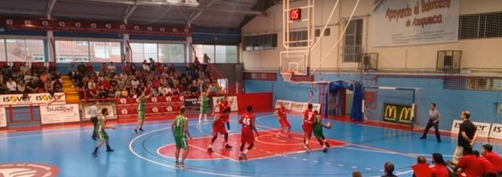Al Isover Basket Azuqueca le tembló el pulso y no supo ganar el derbi