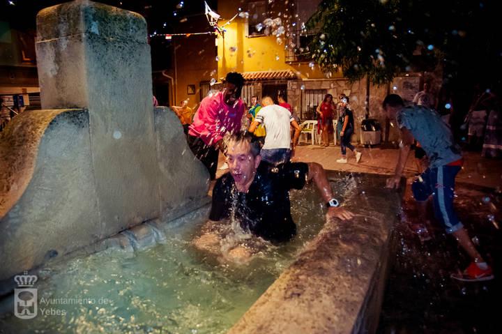 Yebes se sumerge de lleno en sus fiestas patronales con la lectura del pregón a cargo de la Peña 'El Patio'