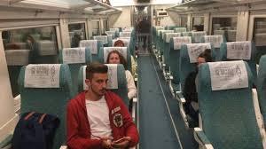 Un maquinista se baja del tren y deja a 70 pasajeros en mitad del trayecto porque su
