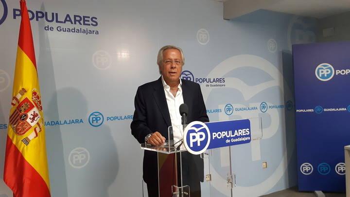 """Aguirre: """"El plantón político del PSOE tiene un precio, y será un altísimo precio que pagaremos los españoles"""""""