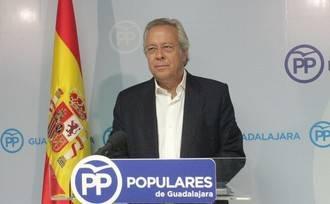 """Aguirre: """"Podemos hace una exhibición de su rancio comunismo al anunciar su ausencia en los actos de homenaje a la bandera de España"""""""