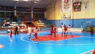 El Isover Basket Azuqueca gana gustando y gustándose