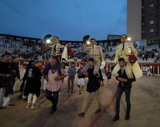 El afincado en Tórtola de Henares Iván Fandiño, soberbio en la Tercera de Guadalajara, sale a hombros junto El Fandi y Adame