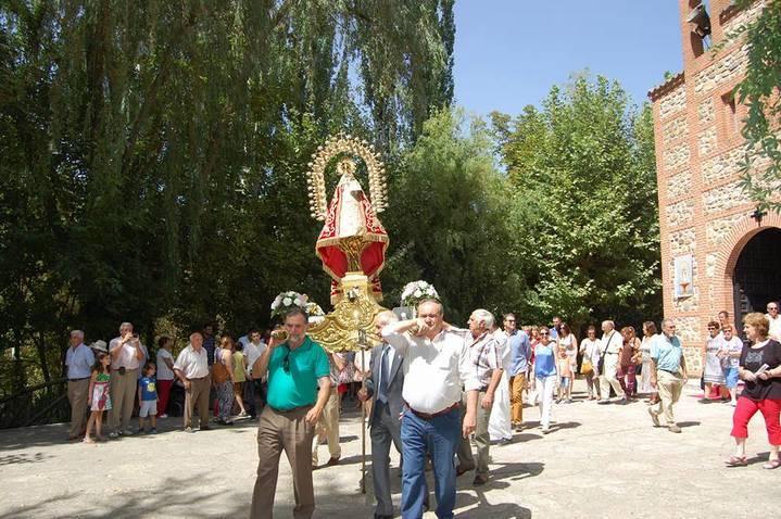 """Como manda la tradición un año más """"San Agustín"""" hermana a Yunquera de Henares y Torre del Burgo en su festividad"""