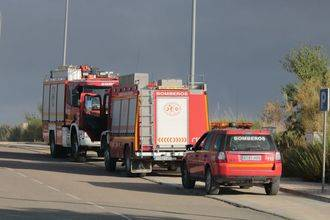 """Latre señala como """"clave"""" el trabajo del personal de la Diputación para dar por extinguido el incendio de Chiloeches"""
